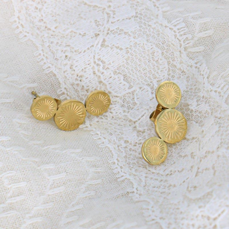 Boucles d'oreilles puces trois ronds gravés soleil en acier inoxydable DARINKA-doré